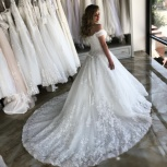 Свадебное платье со шлейфом и пайетками, Ростов-на-Дону