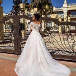 Свадебное платье с кружевным шлейфом, Ростов-на-Дону